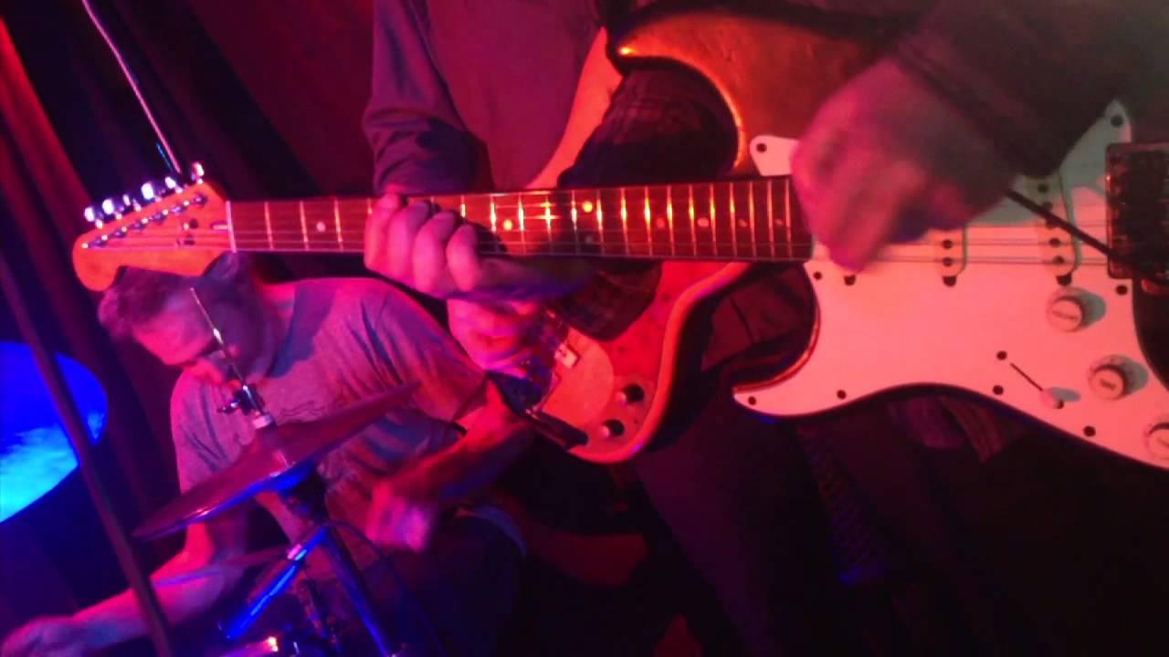 Los Paradiso Live At Leeson Lounge Dublin Youtube