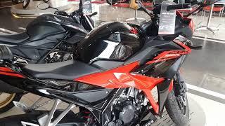 Duet Keren.. 2017 honda cbr 150r victory black red & 2017 honda cb150r streetfire stallion black SE