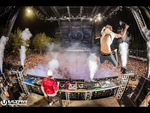 The Chainsmokers   @ Ultra Music Festival 2016