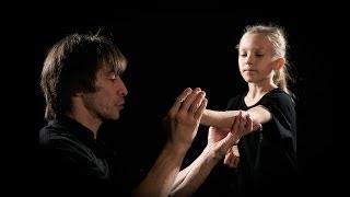 Кунгфу для детей в Золотом Драконе (2013)