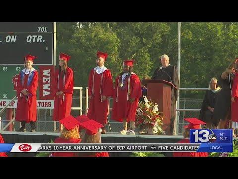 Wewahitchka High School holds traditional graduation ceremony
