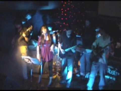 05 I Want to Break Free | Hill Valley en vivo 09