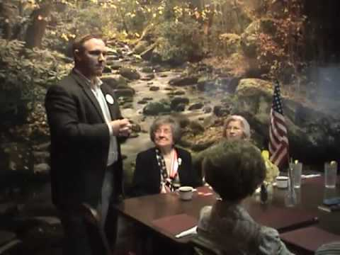 Ben introduces himself to the Prairie County Democratic Women