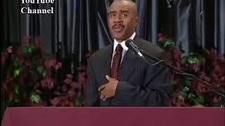 Apostle Gino Jennings speaking about Jezebel. First Church of Our L...