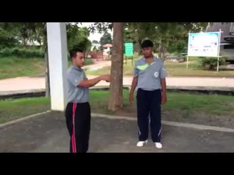 การฝึกทักษะการโยนเปตอง
