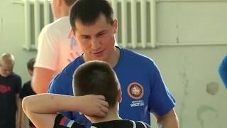 Встреча Романа Власова с юными борцами в канун Международного дня борьбы