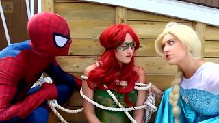 Frozen Elsa & Spiderman , having a hard times