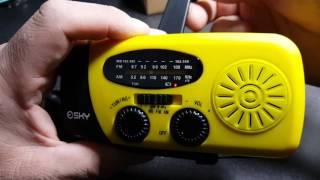 Esky Solar Hand Crank Self Powered Emergency Radio with LED Flashlight and 1000mAh Power Bank