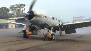 CORSAIR F4U-5N FAH 609 ENGINE TEST (Subir Volumen)