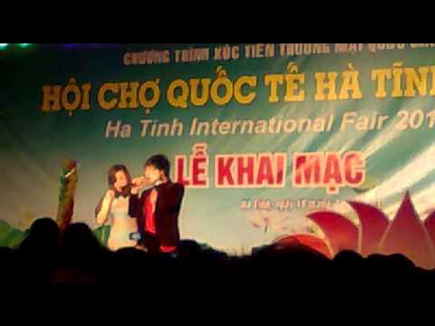khanh phuong hat o hoi cho quoc te ha tinh
