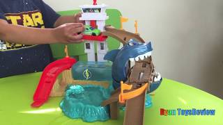 Ryan plays Color Changers Hot Wheels Color Shifters