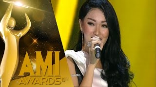 Video Zaskia Gotik dengan 'Tarik Selimut' [AMI Awards 2016] [28 September 2016] download MP3, 3GP, MP4, WEBM, AVI, FLV Oktober 2017