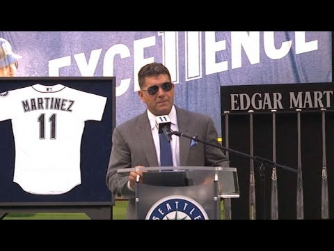 LAA@SEA: Martinez gets his number retired by Mariners