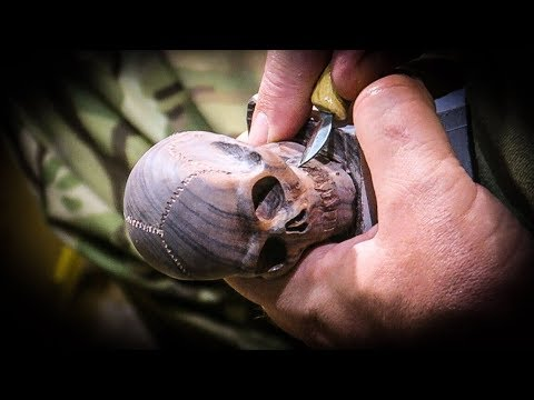 Woodcarving a Miniature Skull - Netsuke Style - Halloween Special