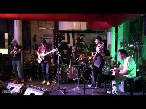 Dewa Budjana - Joged Kahyangan @ Jazz Spot 09/06/14 [HD]