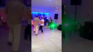 И опять танцы(если это можно назвать танцами)