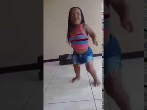 Video Lucu _ Orang kerdil joged