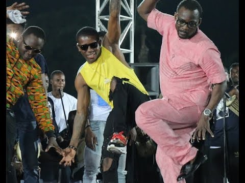 Very Funny! Pasuma & Small Doctor Intimate Slimcase &Broda Shaggi while performing at Agege stadium