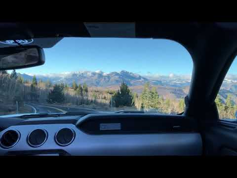 Carson Pass hoon, Sierra Nevada mountains, mental in a rental Ford Mustang