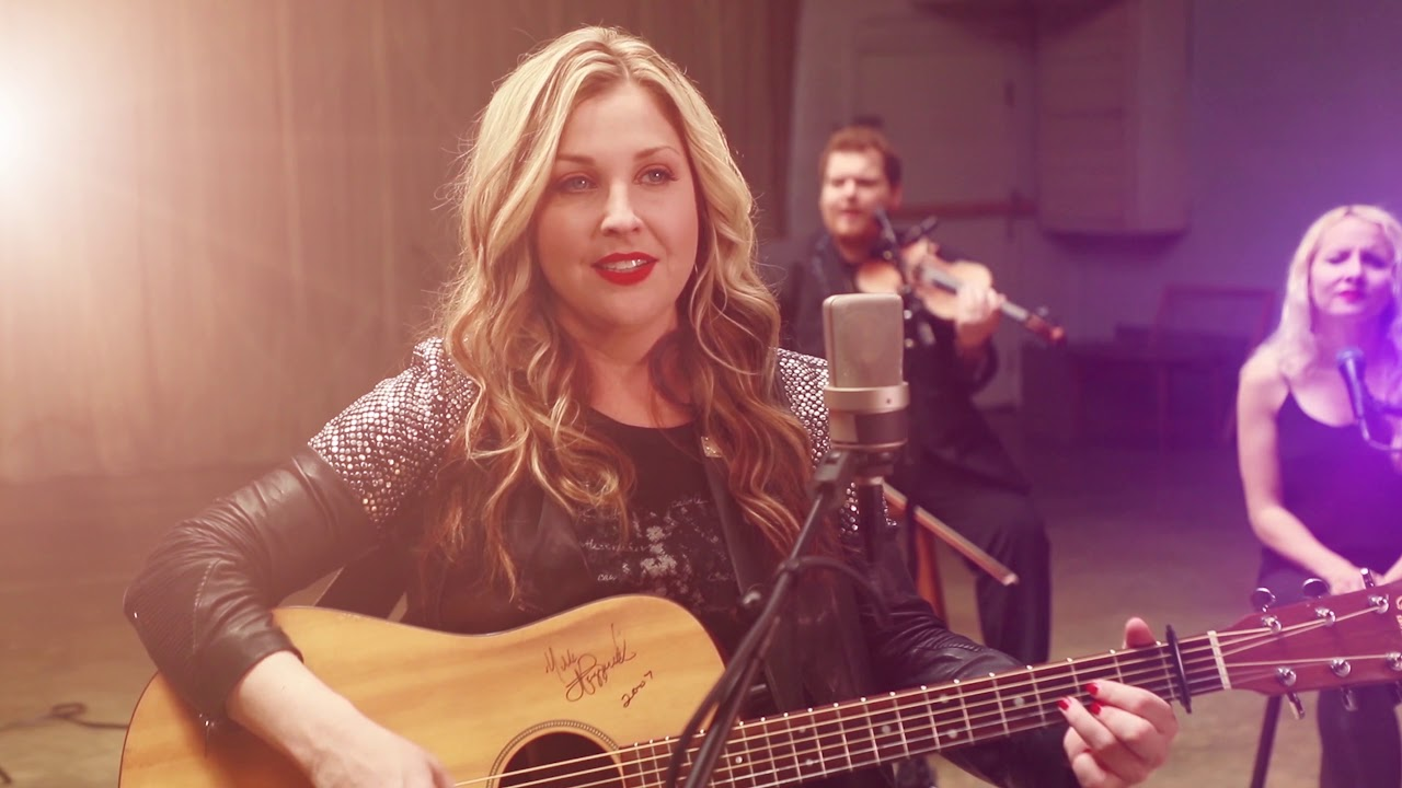 Sunny Sweeney - From a Table Away (2019)