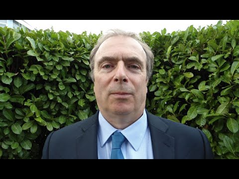 """Peter Hitchens: """"The problem with modern politics is it's show business for ugly people""""."""
