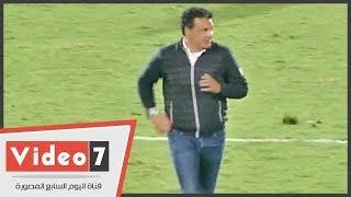 شاهد كيف غادر إيهاب جلال ملعب استاد القاهرة عقب هزيمة الزمالك من الاتحاد