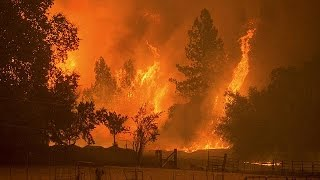 Több ezer otthont fenyeget a tűzvész Kaliforniában