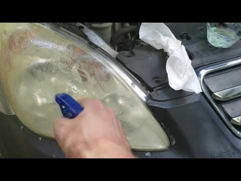 DIY - Clean Your Car Headlights Cheaper with Toothpaste & Baking Soda