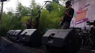 Connie Dio - Panggung Sandiwara (live at Festival Kuliner Cimahi) Dean Muliawan Video