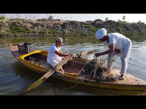 شئ لايصدق مافعلة الحاج القرموطي في الحاج شخلول بسبب صيد السمك 😂 موت من الضحك😂😂