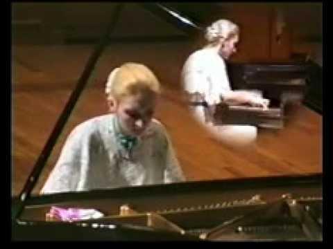 Violetta Egorova plays Liszt - Paganini Etude, No. 6