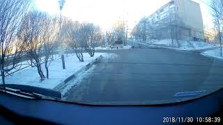 Смоленск. Стая собак нападает на автомобили
