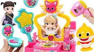 Kongsuni, Baby Shark, Mommy Shark and Pinkfong Make-up beautifully at the magic vanity!