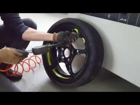 Mercedes SLK R170 space-saver spare tire