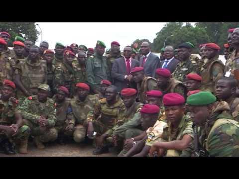 Le Cameroun restitue du matériel militaire à la Centrafrique