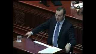 Диневски: Законот за пушење има за цел само да го полни со казни празниот буџет