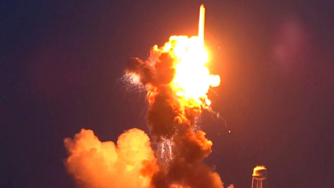 nasa explosion with teacher - HD1417×945