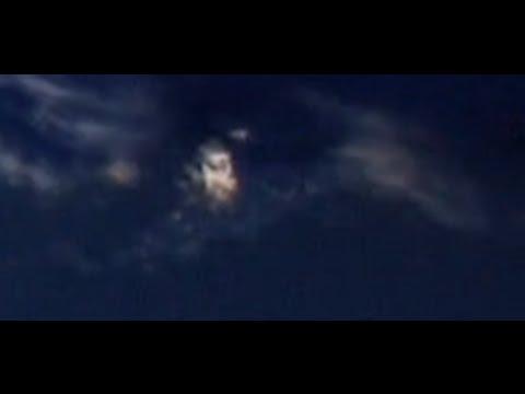 nouvel ordre mondial   Une mystérieuse ville flottante filmée par ISS?