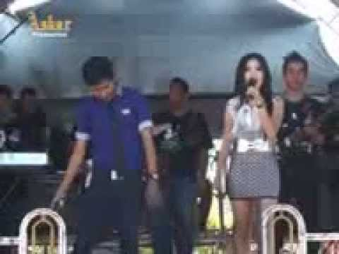 Iman agasha feat Ayu Gisca ( Bintang pantura D't3rong Show Indosiar ) - Arjun