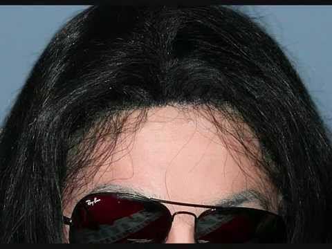 CLOSE-UP OF MICHAEL JACKSON'S WIG