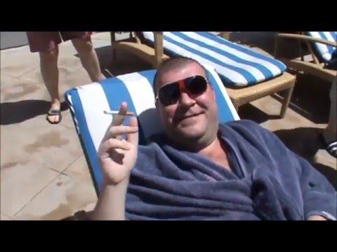 Emirates Grand Hotel 47 этаж Я на солнышке лежу и на уток не гляжу) Кто молодец? Я молодец!