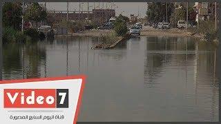 مياه الصرف تغرق طريق مدينة السويس الصناعية وتعطل عمل الورش