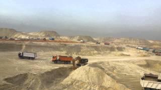 قناة السويس الجديدة مصر:مشهد عام للحفر وتلال الرمال فى أول موقع بالقناة
