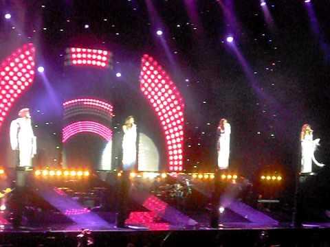 Girls Aloud metro Arena Newcastle 075