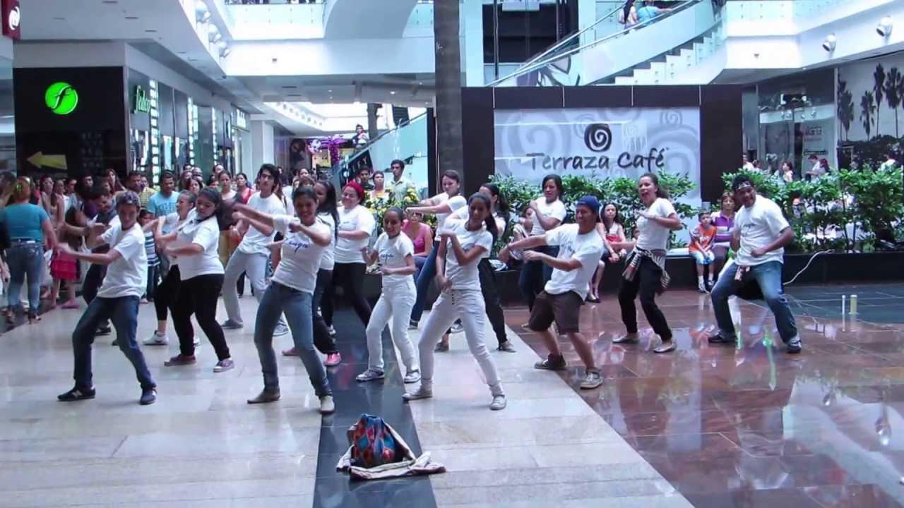 Flashmob dia de la danza centro comercial cacique 1er - Centro comercial el serrallo ...