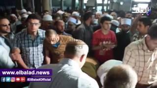 وصول جثمان عبد الحكيم عبد اللطيف للأزهر لأداء صلاة الجنازة .. فيديو