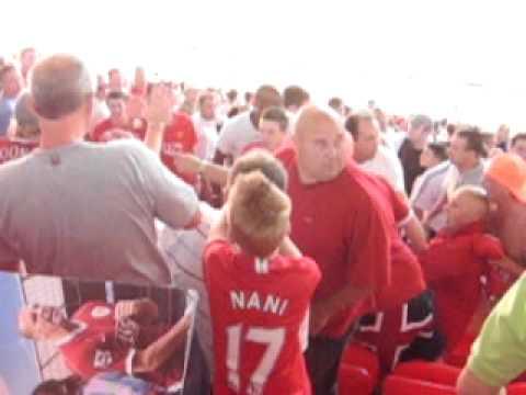 Man United Fans Fight 74