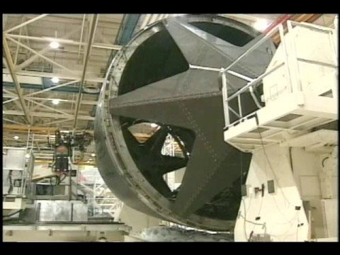 Construction of composite fuselage section of a Boeing 787