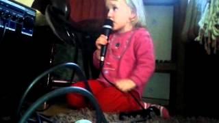 Elli laulaa 2