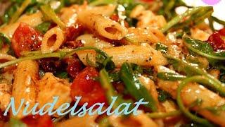 Mediterraner Nudelsalat mit Tomaten - Italienischer Nudelsalat